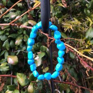Jewelry - Howlite Turquoise Tumbled Stone Bracelet